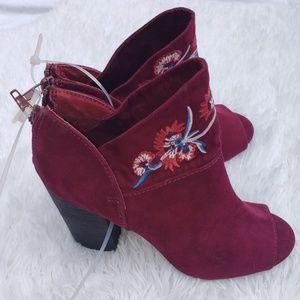 NEW Carlos Santana Ankle Boots 6.5 Wine 6 1/2